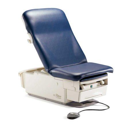 Смотровое кресло 222 для пожилых людей, беременных и пациентов с ограниченными возможностями от Midmark (США)